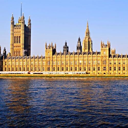 External shot of the Houses of Parliament