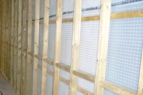 Detail of timber battens on Newton cavity drain membranes