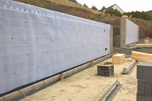 Newton cavity drain membranes applied to a luxury housing development