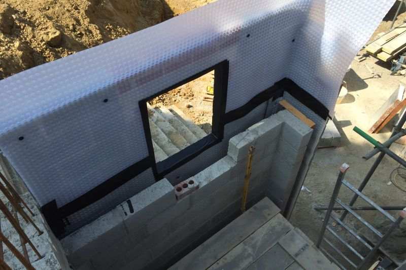 Waterproofing a Wall with Newton System 500