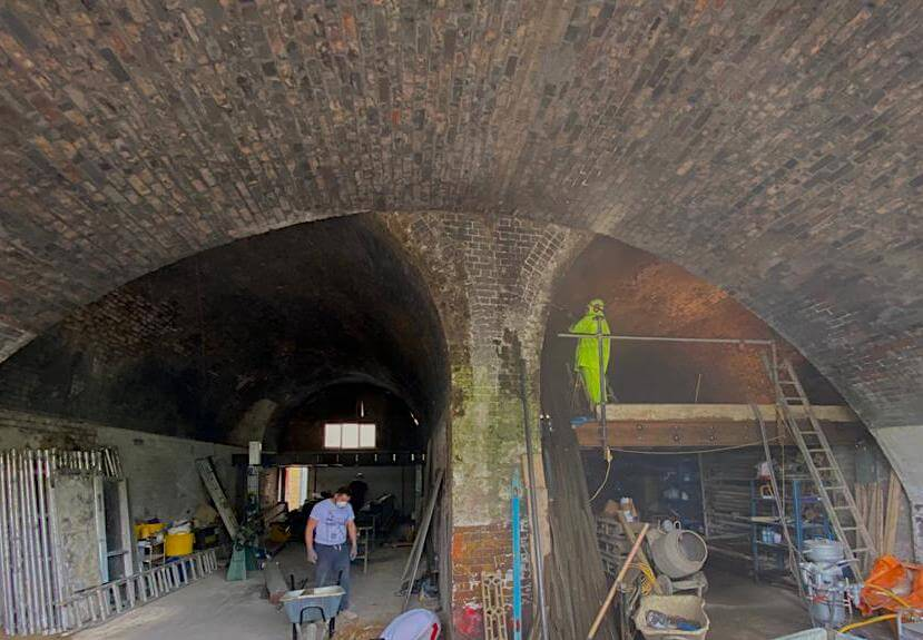 The two main arches included a significant area of brickwork